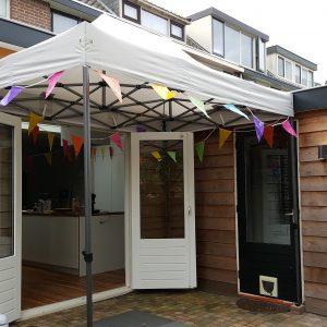Huur een 2x3 easy up tent in Eindhoven